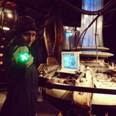 Me flying the tenth Doctor's TARDIS. *haramswoon*